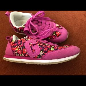 Girls Gap pink and floral sneaker size 1